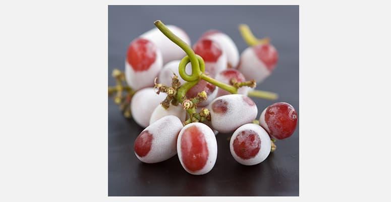 7-food-tricks-Frozen-grapes-HR